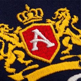 Вышивка логотипа на футболках